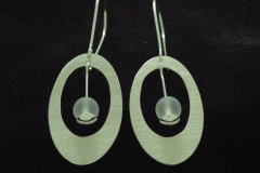 13016 Frost -earrings oval with 8 mm rock crystal